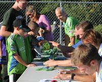 2741 VISC-Seattle Sounders autographs 082310