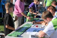 2752 VISC-Seattle Sounders autographs 082310