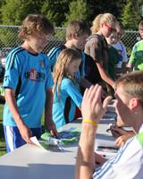 2773 VISC-Seattle Sounders autographs 082310
