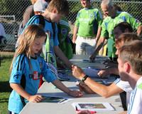 2780 VISC-Seattle Sounders autographs 082310