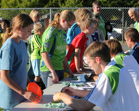 2842 VISC-Seattle Sounders autographs 082310